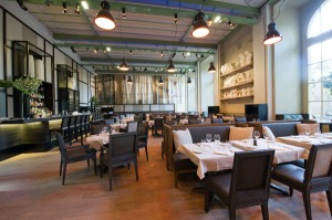 mini-palais-salle-restaurant