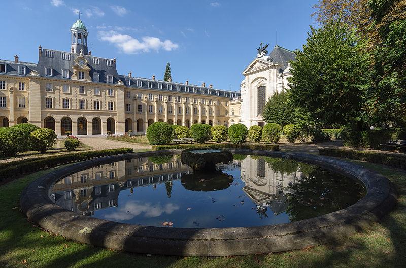 Issy_seminaire_Saint-Sulpice_avec_bassin