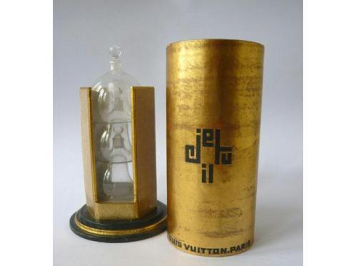 """""""Je, tu, il"""" (1928) : le logo pourrait faire penser à l'univers de Serge Lutens !"""